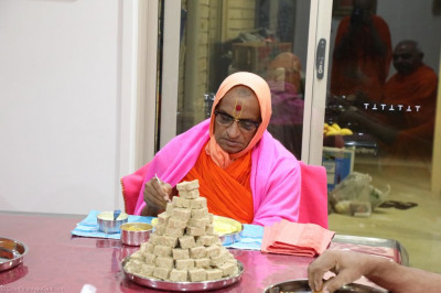 His Divine Holiness Acharya Swamishree dines at a disciple's home