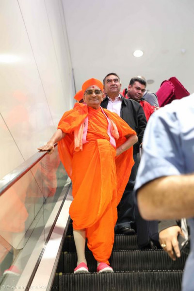 His Divine Holiness Acharya Swamishree arrives in Sydney