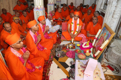 His Divine Holiness Acharya Swamishree performs the mahadiksha ceremony initiating three sants into the sant fraternity