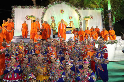 His Divine Holiness Acharya Swamishree blesses young disciples who performed devotional dances during raas