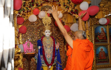 8th Anniversary Celebrations of Shree Swaminarayan Mandir Surat