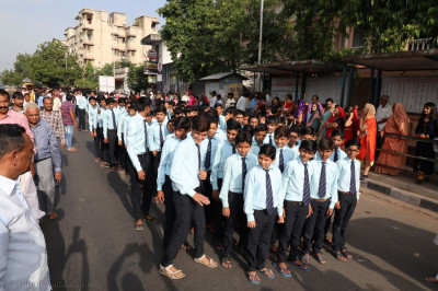 Young disciples take part in procession from Shree Swaminarayan Tower to Maninagar Mandir