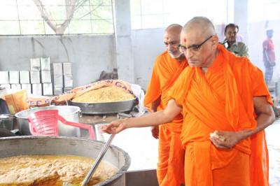 His Divine Holiness Acharya Swamishree consecrates all the food items
