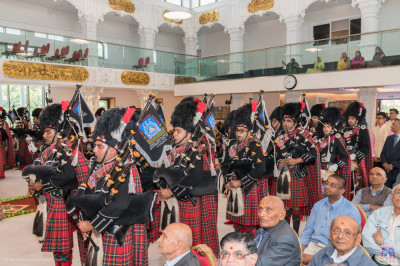 Shree Muktajeevan Swamibapa Pipe Band London perform