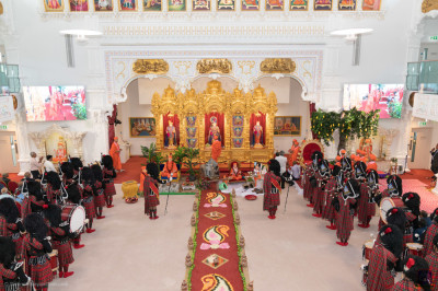 The scene inside Shree Swaminarayan Mandir Kingsbury