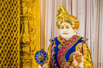 Divine darshan of Jeevanpran Shree Abji Bapashree at Shree Swaminarayan Mandir Kingsbury