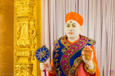 Divine darshan of Jeevanpran Shree Muktajeevan Swamibapa at Shree Swaminarayan Mandir Kingsbury