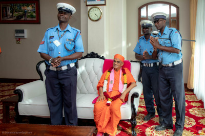 H.D.H Acharya Swamishree blesses the Police escort team