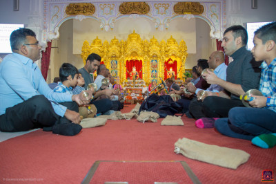 Disciples perform devotional songs to please the Lord