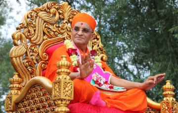 Secaucus, New Jersey Temple Welcomes Acharya Swamishree and Sants to the United States