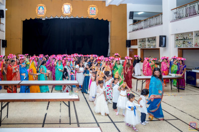 Devotees take part in Shaahi Swagat