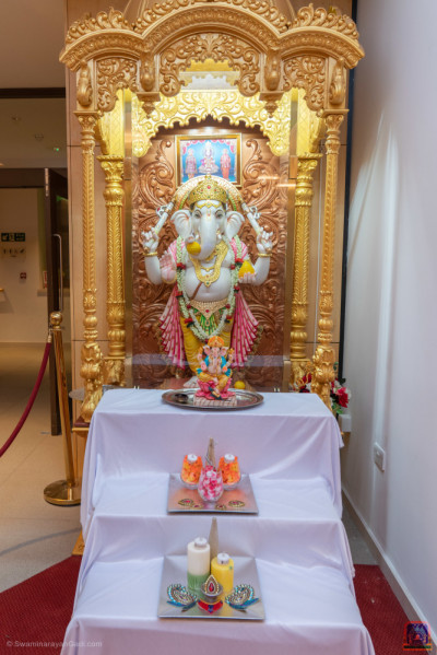 Shree Ganpatiji blesses all