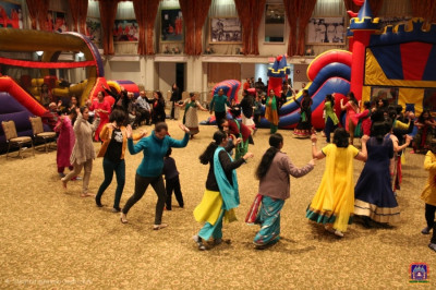 Disciples take part in garba