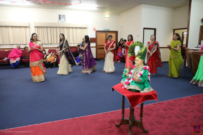 Disciples play raas