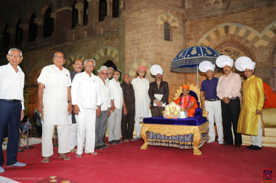 His Divine Holiness Acharya Swamishree blesses all local dignitaries