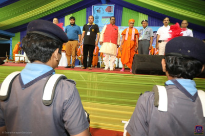 His Divine Holiness Acharya Swamishree attends the Gujarat Rajya Bharat Scout Guide Group 27th State Rally