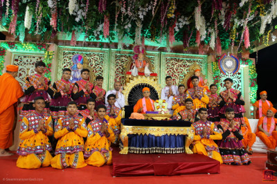 His Divine Holiness Acharya Swamishree Maharaj blesses disciples who performed during the evening celebrations