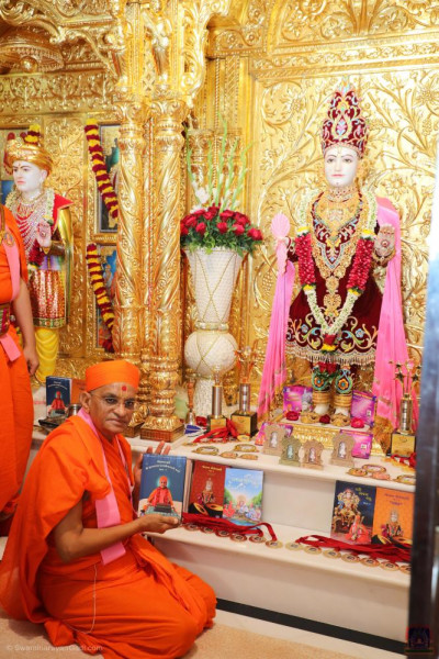 His Divine Holiness Acharya Swamishree Maharaj blesses each of the new publications and new editions to be inaugurated later