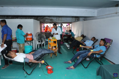 Disciples donate blood