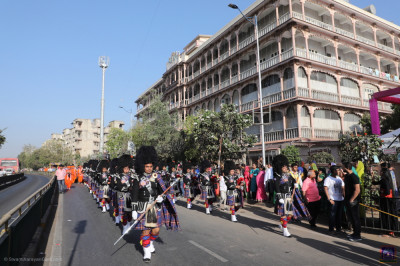 Shree Muktajeevan Swamibapa Pipe Band Maninagar perform during the procession into the grand assembly