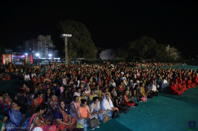 Thousands of disciples enjoy the international Satsang Rangat devotional drama performances and vote on each performance using their own mobile devices