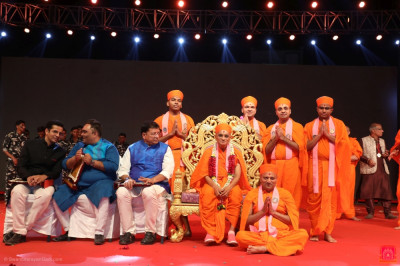 His Divine Holiness Acharya Swamishree Maharaj blesses sants who took part in the drama performances