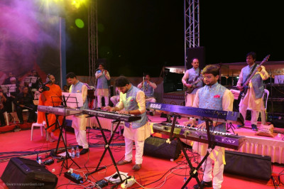 Keyboard players perform