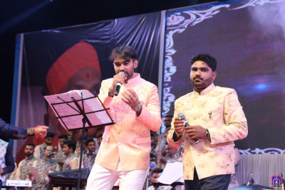 Talented singers perform devotional songs to please the Lord