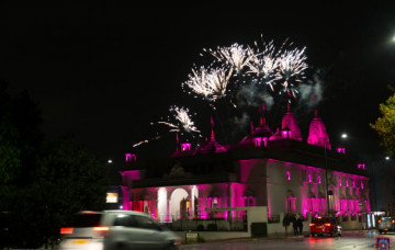Fireworks & Exhibition of Indian Culture at Shree Swaminarayan Mandir Kingsbury
