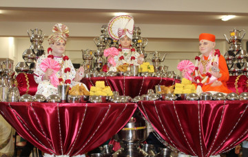Sharad Poonam Celebrations at Shree Swaminarayan Mandir Bolton