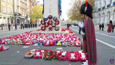 Shree Muktajeevan Swamibapa Thanks the Armed Forces at the Whitehall Cenotaph