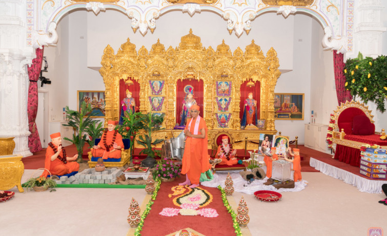 Acharya Swamishree Maharaj's 30th visit to London